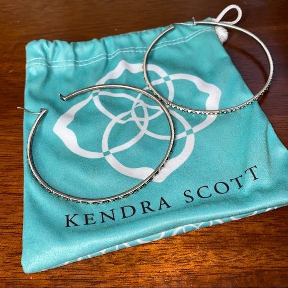 Kendra Scott Val Hoops